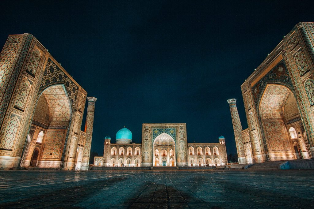 registan square in samarkand by night