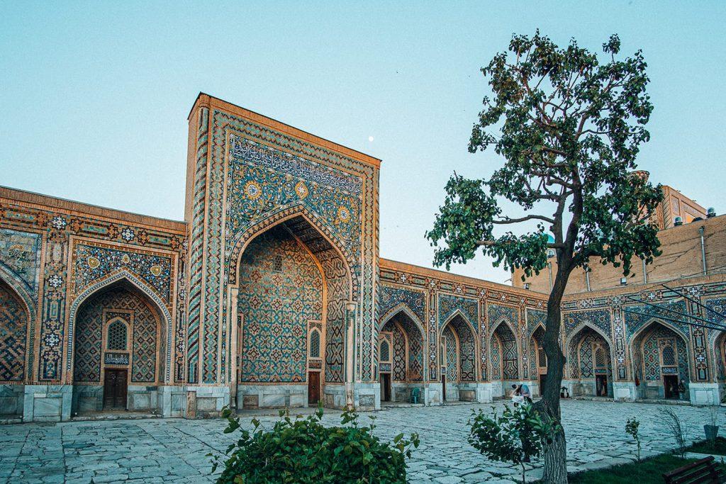 madrasah inside registan samarkand at night