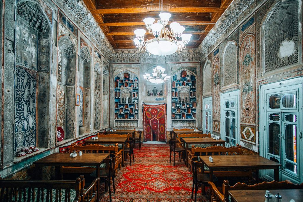 Komil Bukhara Boutique Hotel restaurant decorations in uzbekistan