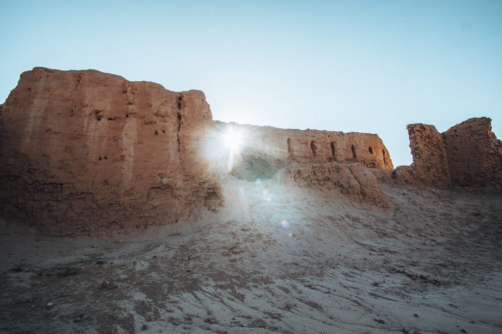 ancient fortress ruins of tupprakala in the desert in uzbekistan
