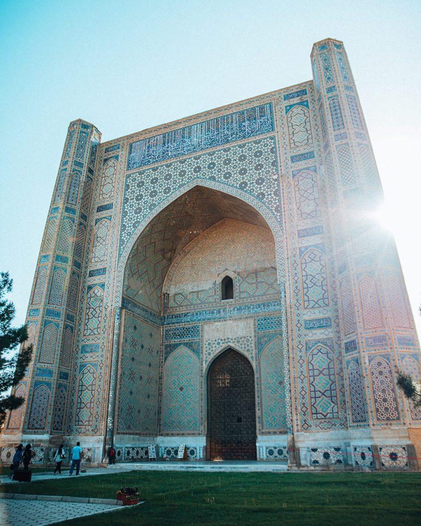 uzbekistan the architecture of bibi khanym mosque