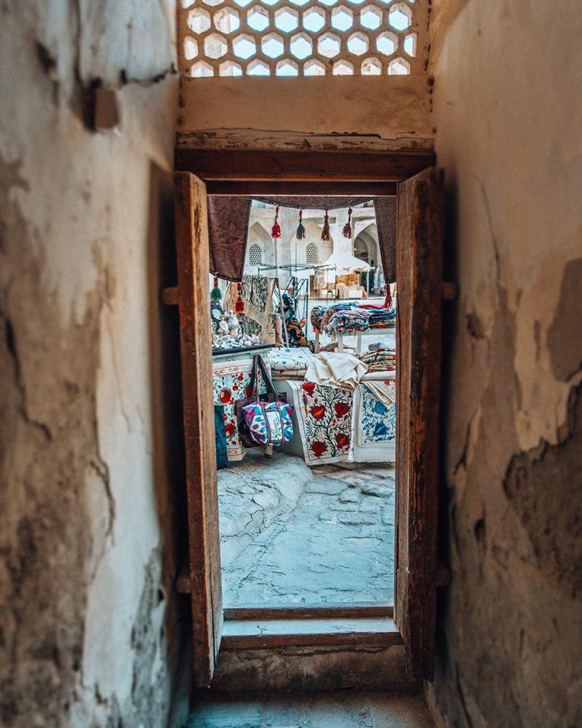 suzanis souvenir shops in uzbekistan