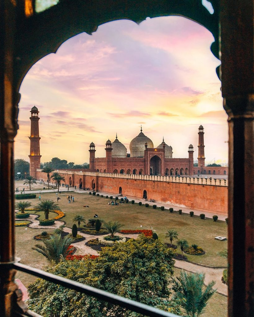 the view of badshahi mosque from coocos den restaurant in lahore pakistan