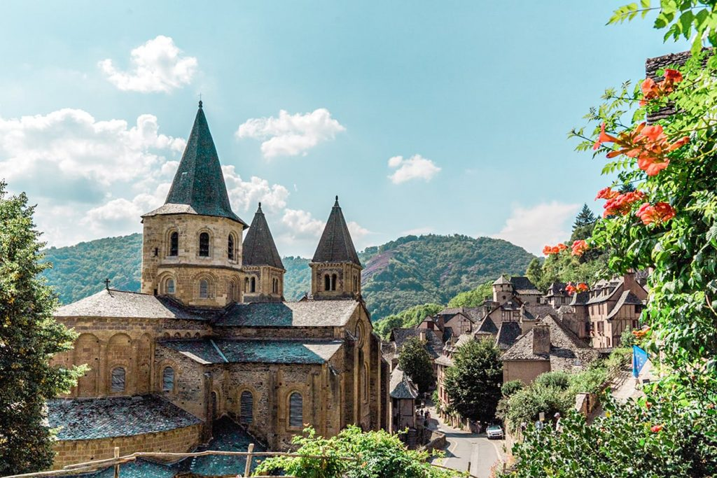 buildings in the town of conques france
