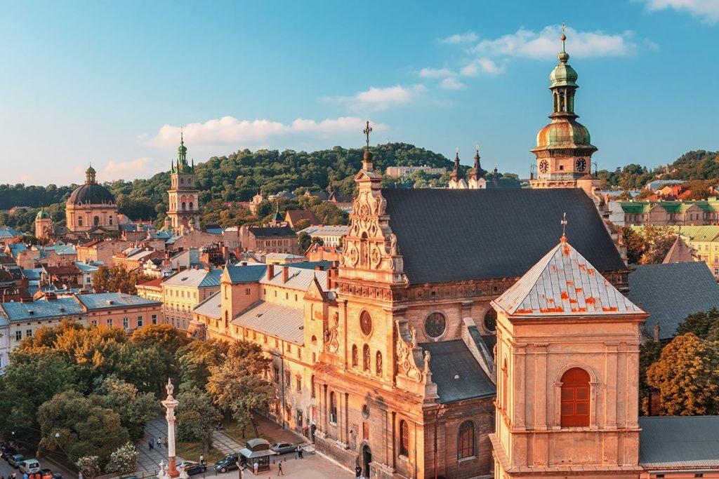 buildings in lviv ukraine