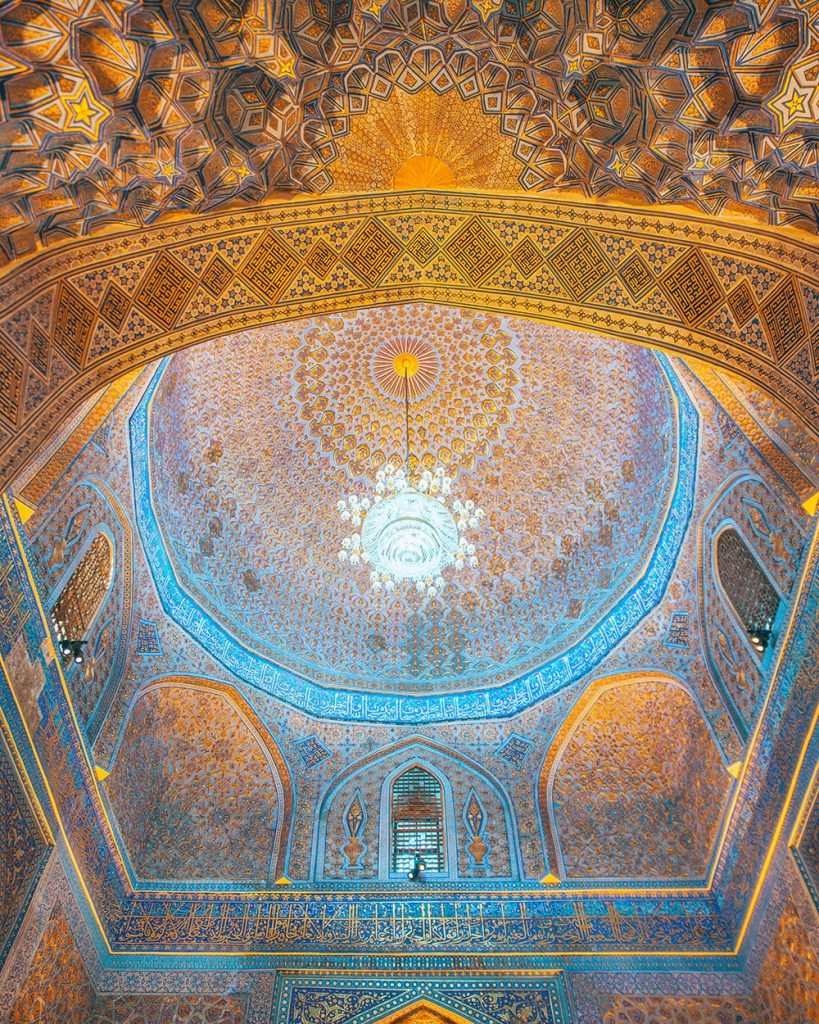 the tiles and architecture of uzbekistan