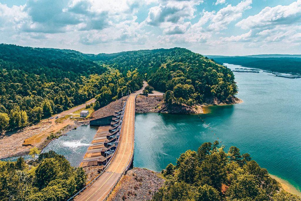 Broken Bow Dam in Oklahoma, USA