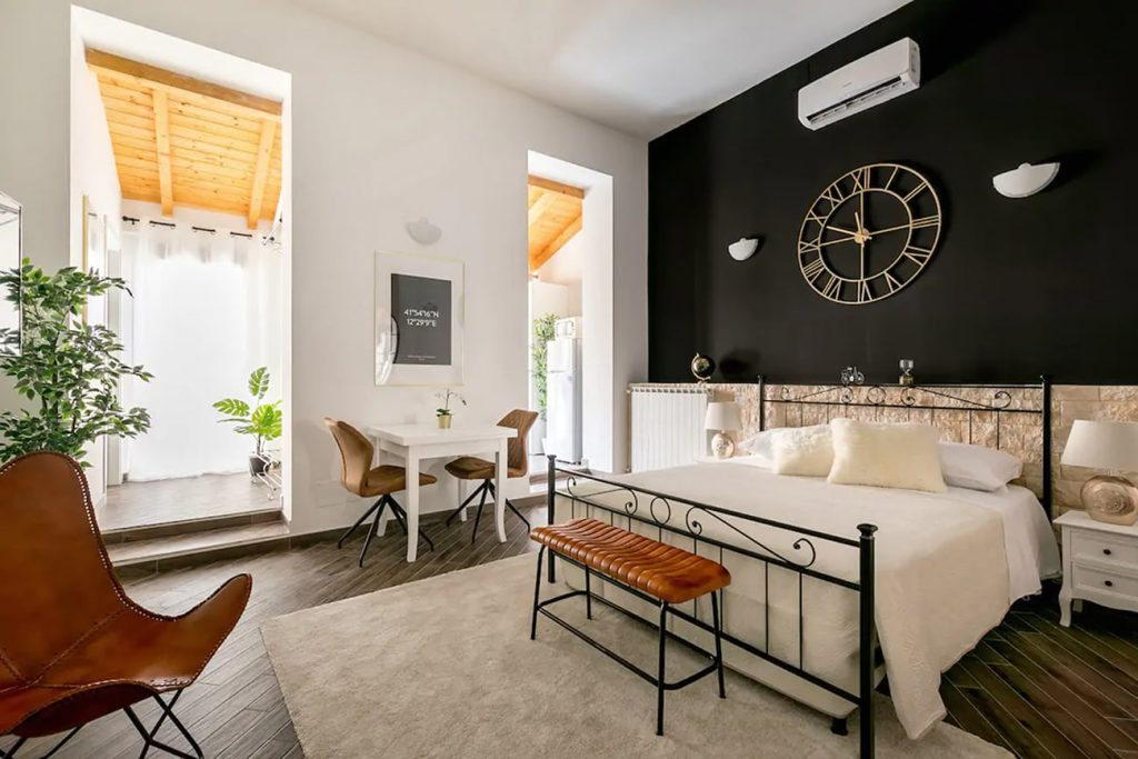 A Flat in Rome Near the Spanish Steps