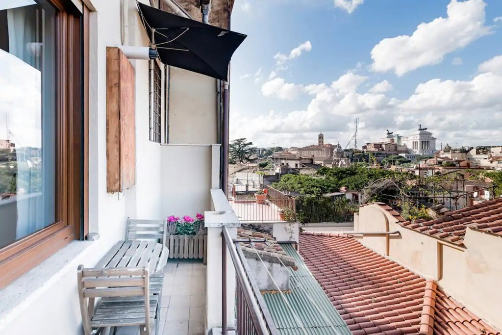 A Flat With a View in Rome Near the Colosseum