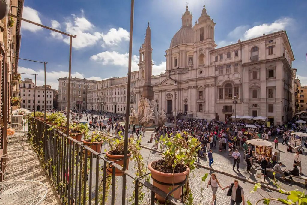 A Flat in Rome With a View of Piazza Navona